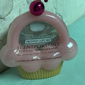 Frosted Cupcake 🧁 Scentportable Bath & Body Works